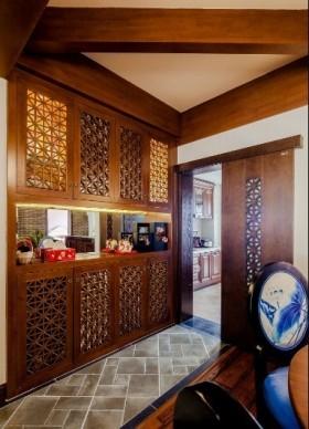 东南亚原木风格镂花橱柜装潢