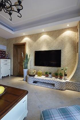 黄色混搭风格客厅背景墙装饰案例