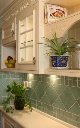 美式风格黄色厨房橱柜欣赏
