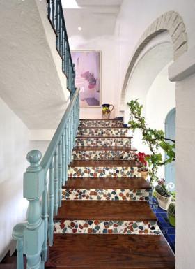 白色地中海风格楼梯装修美图
