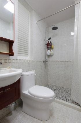 新古典雅致卫生间装潢设计