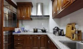 原木色质感新古典厨房橱柜装修赏析