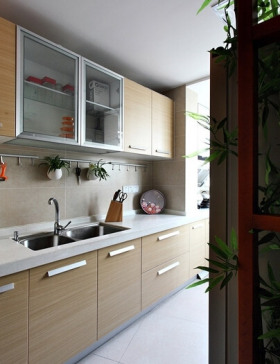 中式风格简洁厨房橱柜设计图片
