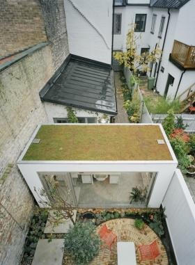 绿色简约别墅花园图片欣赏