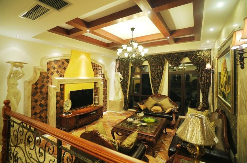 浪漫欧式风格客厅吊顶装修布置