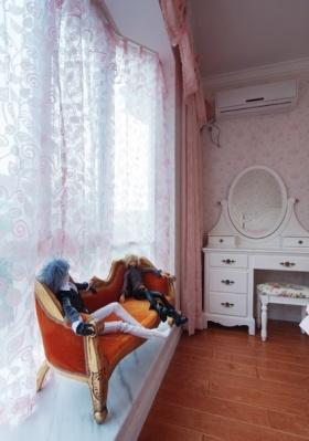 浪漫粉色欧式风格儿童房飘窗装修
