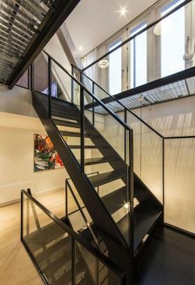 现代简约风格楼梯装修效果图