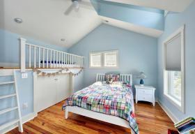 蓝色美式风格儿童房衣柜装修效果图片
