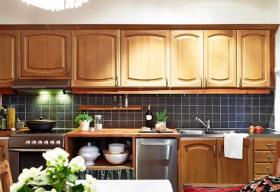 欧式实用大方厨房橱柜设计欣赏