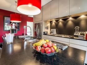 红色简欧风格厨房橱柜装修效果图