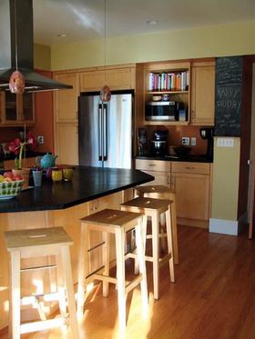黄色大气简约风格开放式厨房装修案例