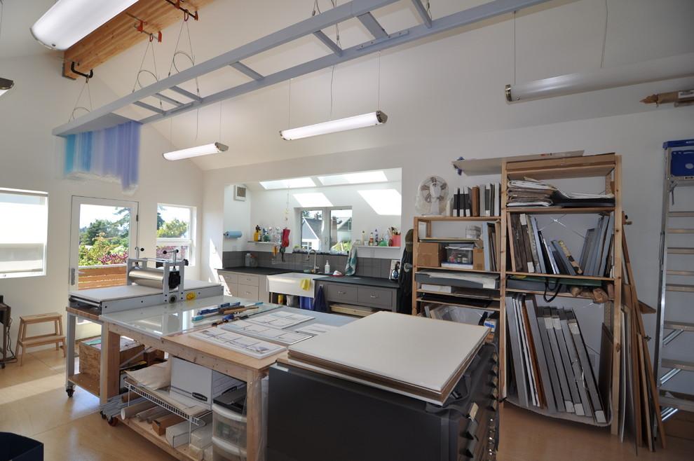 灰色工業風格簡約工作室裝修設計