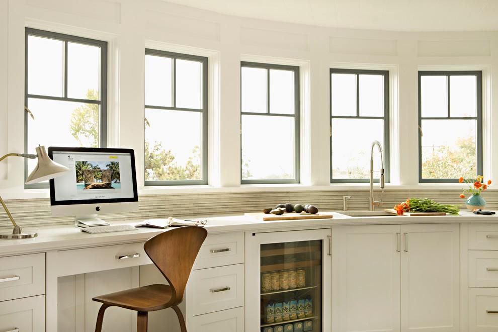 白色清爽简约风格厨房橱柜设计图