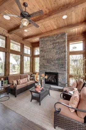 原木色美式风格客厅吊顶装修设计