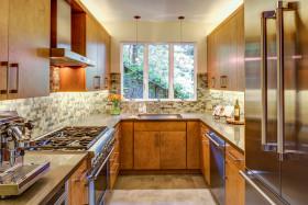 简约原木色创意厨房橱柜装潢