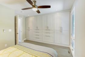 白色混搭风格卧室衣柜设计案例