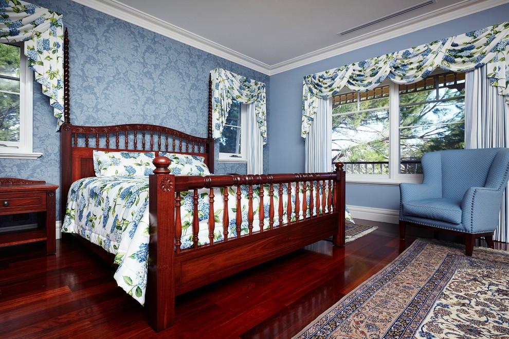 浪漫温馨田园蓝色碎花卧室装潢设计案例