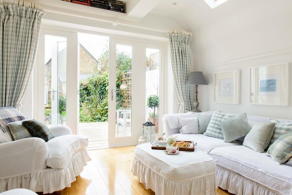 简约风格舒适白色客厅装修美图