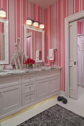 浪漫粉色现代风格浴室柜装修设计