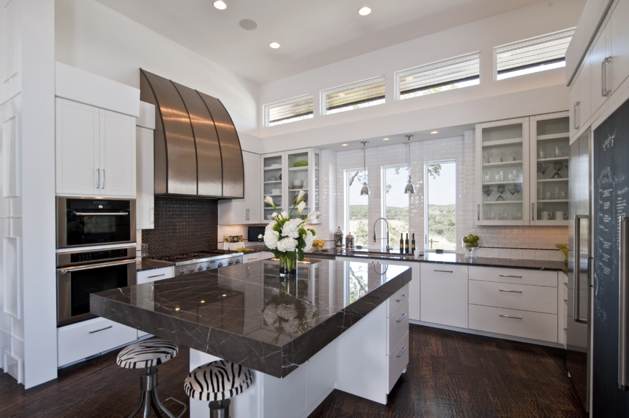 现代风格厨房橱柜装修布置