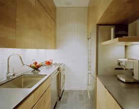 原木简约风格厨房橱柜装修图