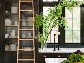 东南亚黑色个性厨房橱柜设计图片