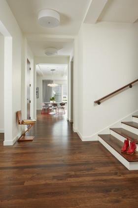 白色现代风格入门玄关装潢设计