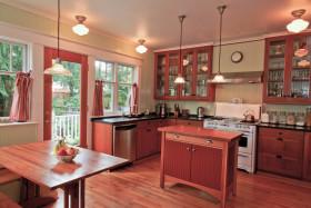 红色混搭风格创意厨房装修案例