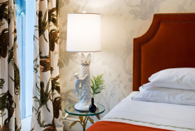 田园风格优雅白色卧室局部装饰图