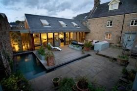 现代简约风格花园装修案例