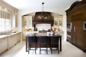 白色大气东南亚厨房橱柜设计欣赏