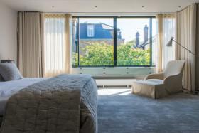 现代时尚卧室飘窗美图欣赏