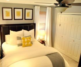 东南亚米色卧室衣柜装修图片