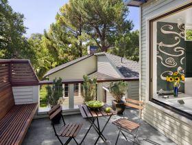 休闲美式风格阳台装饰设计图片