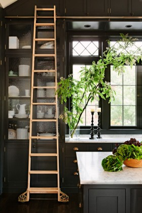东南亚风格创意黑色厨房橱柜美图欣赏