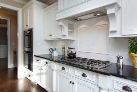 白色简欧厨房装修图