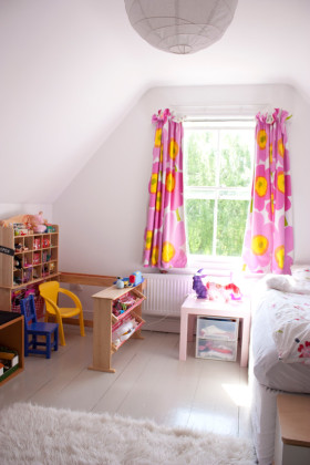 粉色简约风格儿童房装修图片