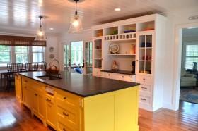 混搭风格温馨黄色厨房橱柜美图欣赏