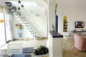白色地中海清爽楼梯装修图