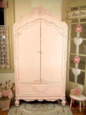 简洁欧式风格浪漫衣柜美图欣赏