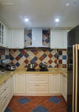 浪漫雅致田园风格厨房橱柜效果图欣赏