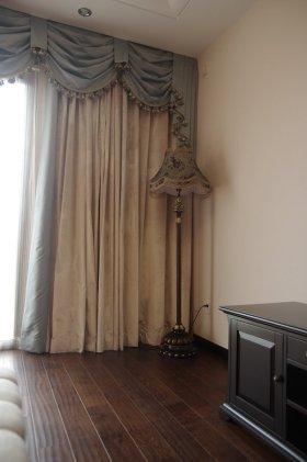雅致欧式风格窗帘装修布置