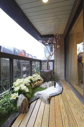 原木色简约风格阳台花园装修图片欣赏