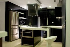 黑色现代风格厨房吧台图片赏析