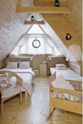 休闲质朴欧式阁楼设计欣赏