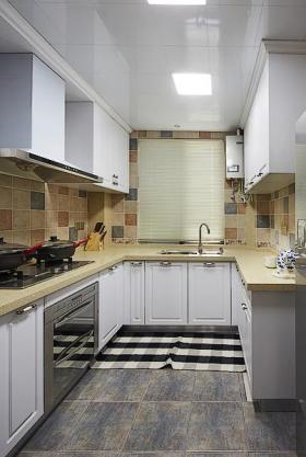 2016实用米色田园厨房装饰案例