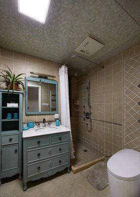 黄色温馨美式格卫生间装修设计
