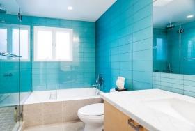 梦幻蓝色简约风格卫生间装潢案例