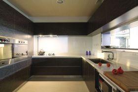 现代黑色厨房橱柜装修设计