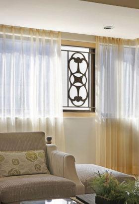 米色新中式风格客厅窗帘设计案例